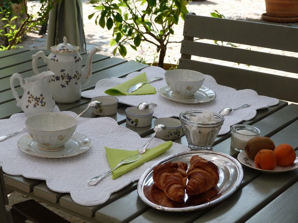 Chambres d'Hôtes Cotignac Table d'Hôtes 10